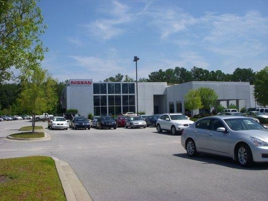 vaden nissan hilton head car dealership in bluffton, sc 29910
