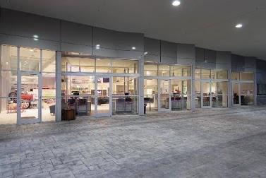 Gatorland Toyota Car Dealership In Gainesville, FL 32609 .