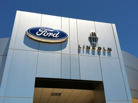 Vista Ford Lincoln Oxnard