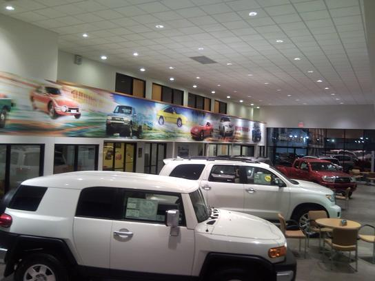 Fort's Toyota of Pekin 1