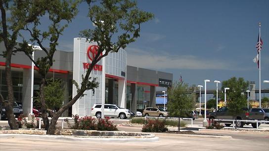 Alamo Toyota car dealership in SAN ANTONIO TX 78232  Kelley Blue