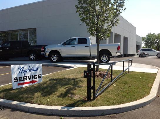Napletons Arlington Heights Chrysler Dodge Jeep RAM car dealership