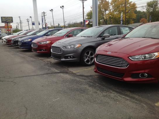 Ford Louisville Ky >> Town Country Ford Car Dealership In Louisville Ky 40219