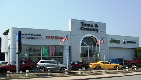 Town & Country Jeep Chrysler Dodge car dealership in Levittown, NY ...