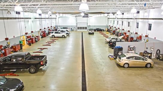 Bob Rohrman Toyota Car Dealership In Lafayette, IN 47905 | Kelley Blue Book