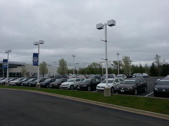 Bob Rohrman's Gurnee Volkswagen car dealership in Gurnee, IL 60031 | Kelley Blue Book