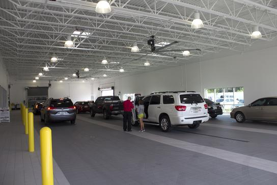 Coggin Toyota At The Avenues Car Dealership In Jacksonville, FL 32256 |  Kelley Blue Book
