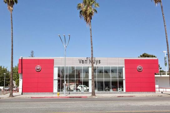 Van Nuys Fiat And Maserati Car Dealership In Van Nuys Ca 91401 4217