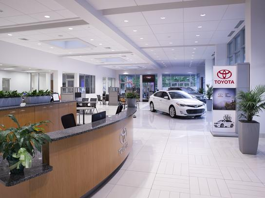 Fred Anderson Toyota of Columbia 3