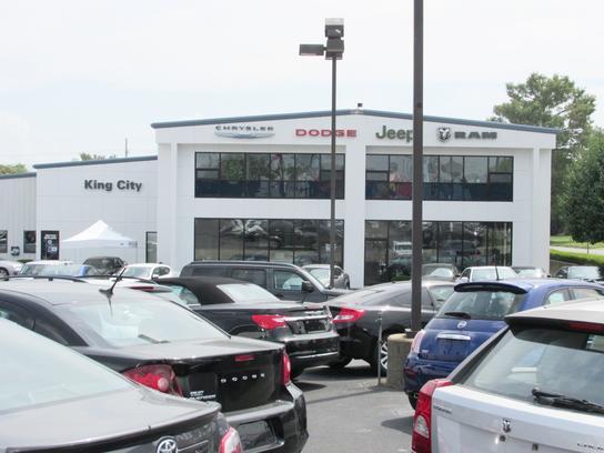 king city chrysler center car dealership in mount vernon il 62864 kelley blue book. Black Bedroom Furniture Sets. Home Design Ideas