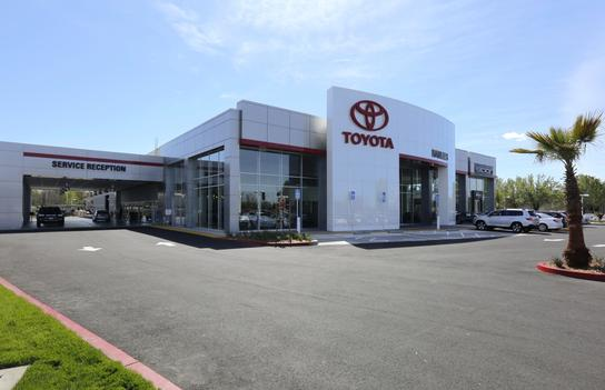 Hanlees Davis Toyota >> Hanlees Davis Toyota Car Dealership In Davis Ca 95616 Kelley Blue