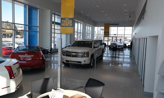 Fairfield Chevrolet Cadillac car dealership in Lewisburg, PA 17837