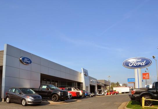 Ford Dealership Greensboro Nc >> Green Ford Car Dealership In Greensboro Nc 27407 0246