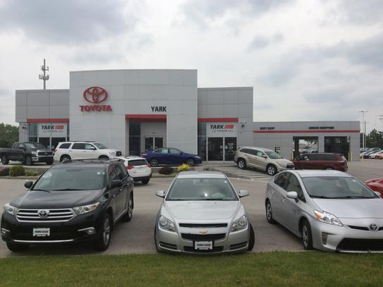 yark toyota car dealership in maumee oh 43537 1609 kelley blue book