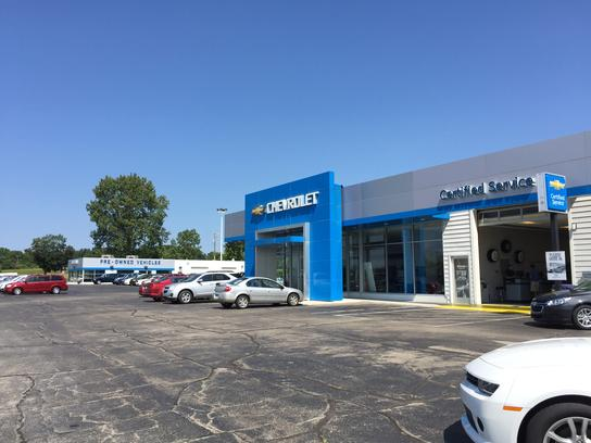 Suburban Chevrolet Clinton Car Dealership In CLINTON, MI 49236 | Kelley  Blue Book