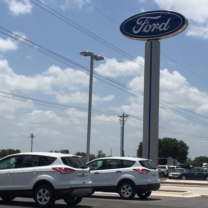 Griffith Ford Of San Marcos Car Dealership In San Marcos Tx 78666