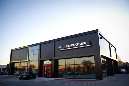 hendrick mini car dealership in charlotte nc 28227 kelley blue book. Black Bedroom Furniture Sets. Home Design Ideas