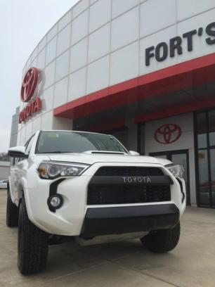 Fort's Toyota of Pekin 2
