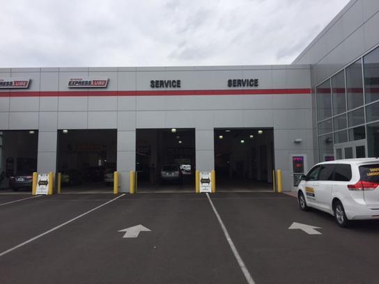 Kendall Toyota Of Eugene Car Dealership In Or 97401 2105 Kelley Blue Book