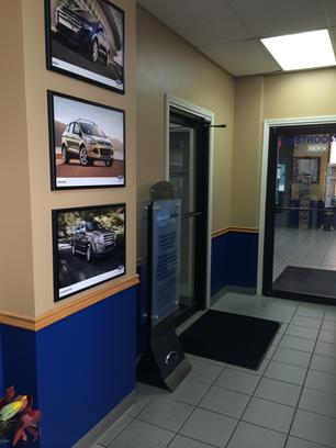 Landmark Ford Springfield Il >> Landmark Ford East Car Dealership In Springfield Il 62702