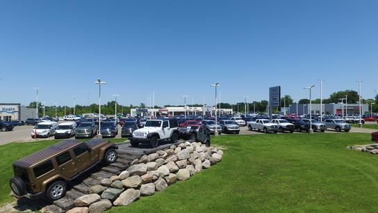 Extreme Dodge Chrysler Jeep Ram Car Dealership In Jackson Mi 49201