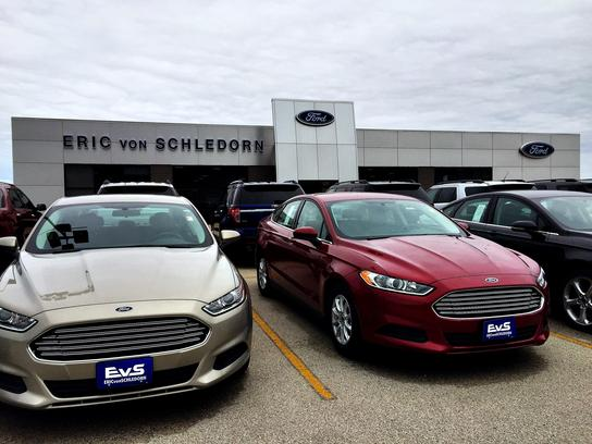 Eric Von Schledorn Random Lake >> Eric Von Schledorn Ford Car Dealership In Random Lake Wi 53075 1305