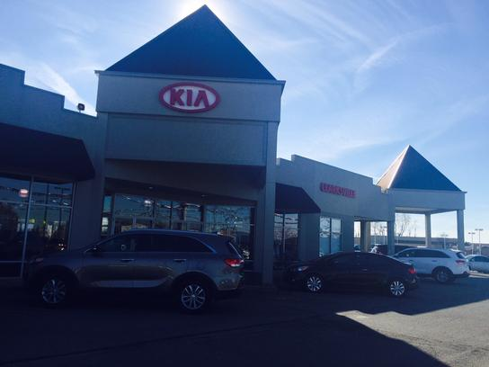 kia store clarksville car dealership in clarksville in 47129 kelley blue book. Black Bedroom Furniture Sets. Home Design Ideas
