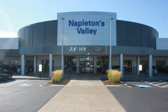 Napleton's Valley Hyundai car dealership in Aurora, IL 60504 ...