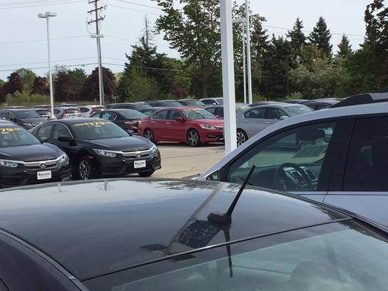 Racine Honda car dealership in RACINE, WI 53406-3755 | Kelley Blue