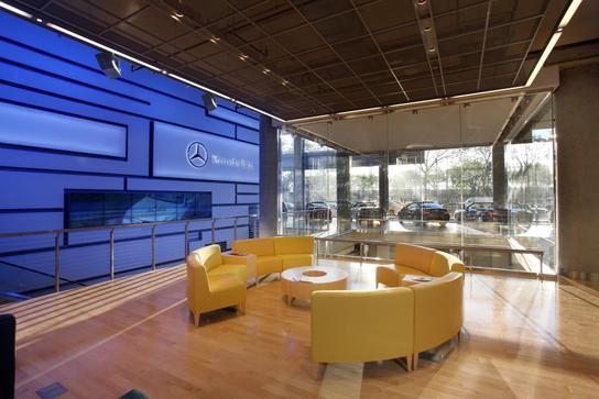 Mercedes Benz Manhattan 1 ...