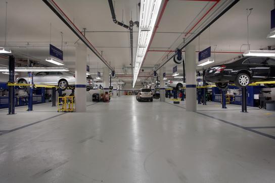 Mercedes Benz Manhattan Car Dealership In New York Ny