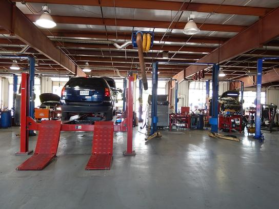 Lindsay Chrysler Jeep Dodge Car Dealership In Saint Robert Mo 65584