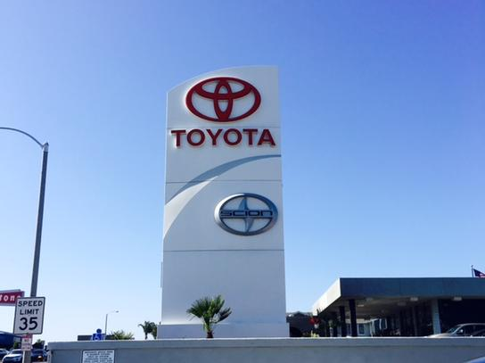 Manhattan Beach Toyota 3
