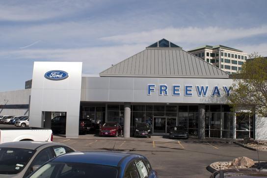Ford Dealership Denver >> Freeway Ford Car Dealership In Denver Co 80222 Kelley Blue Book