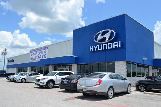 greenville hyundai car dealership in greenville tx 75402 kelley blue book. Black Bedroom Furniture Sets. Home Design Ideas