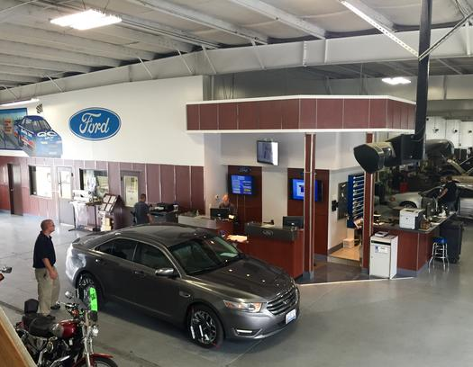 Bob Ridings Ford Car Dealership In Taylorville Il 62568 Kelley Blue Book