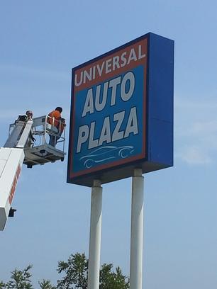 Universal Auto Plaza >> Universal Auto Plaza Car Dealership In Blue Springs Mo 64015