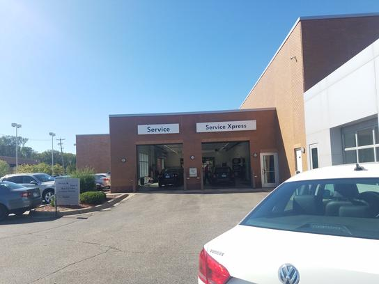 Luther Westside Volkswagen Car Dealership In Saint Louis