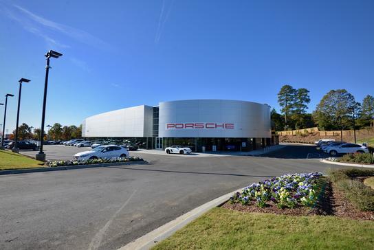 hendrick porsche car dealership in charlotte nc 28227 kelley blue book. Black Bedroom Furniture Sets. Home Design Ideas