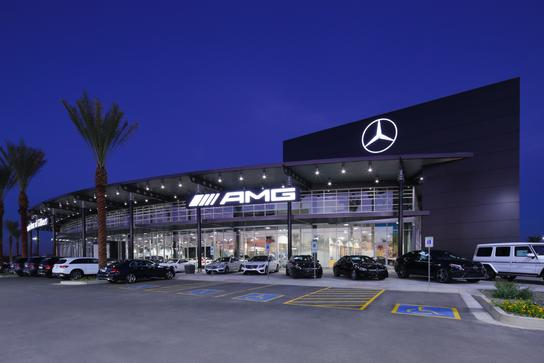 Mercedes benz of gilbert car dealership in gilbert az for Mercedes benz dealers atlanta