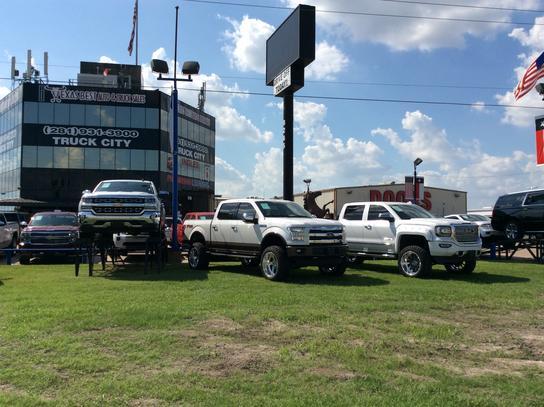 fincher 39 s texas best auto truck sales car dealership in houston tx 77037 kelley blue book. Black Bedroom Furniture Sets. Home Design Ideas
