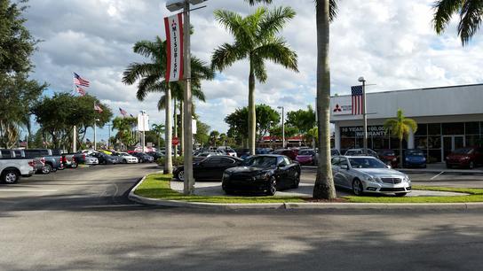 University Mitsubishi car dealership in DAVIE, FL 33328-5303