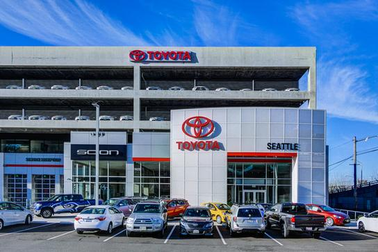 Dealership Photos Map Services Amenities Toyota Of Seattle