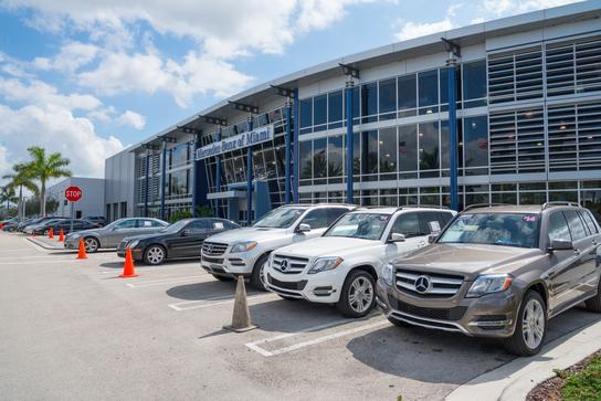 Mercedes Benz Of Miami >> Mercedes Benz Of Miami Car Dealership In Miami Fl 33169