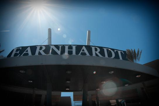 Gmc Las Vegas >> Earnhardt Buick Gmc Car Dealership In Las Vegas Nv 89149