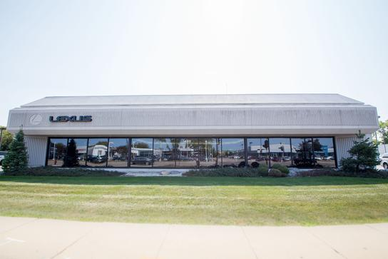 Lexus Of Milwaukee >> Car Dealership Specials At Lexus Of Milwaukee In Milwaukee