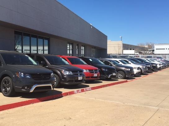 Dodge Dealership Fort Worth >> Classic Chrysler Dodge Jeep RAM FIAT of Arlington car