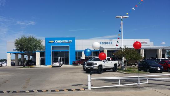 Neessen Chevrolet Buick Gmc Truck Car Dealership In Kingsville Tx 78363 Kelley Blue Book