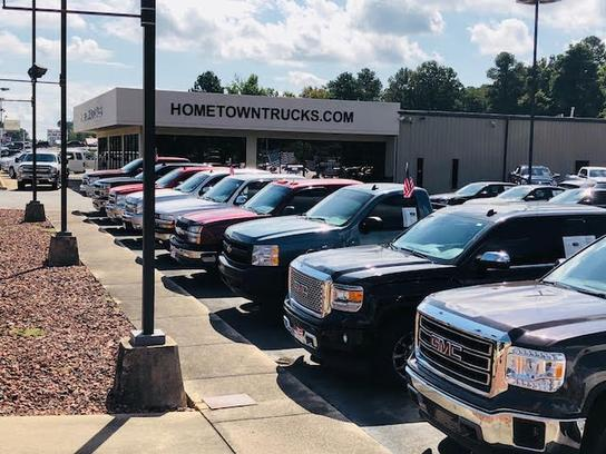 Hometown Auto Sales LLC