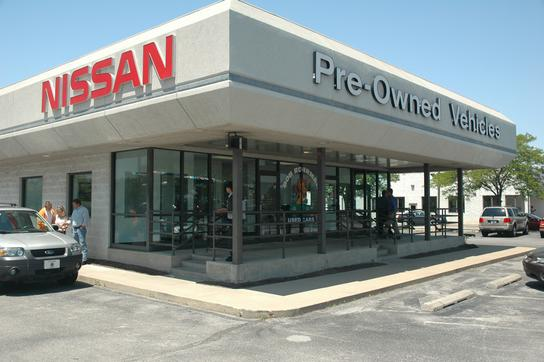 Fort Wayne Nissan-INFINITI & Pre Owned Superstore North